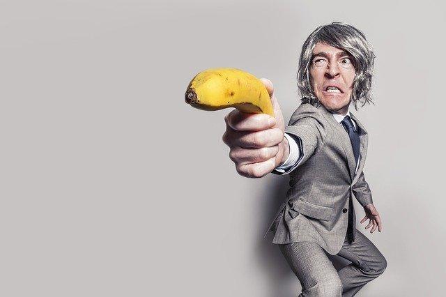 banán v ruce