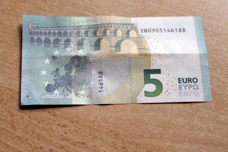pětieurovka
